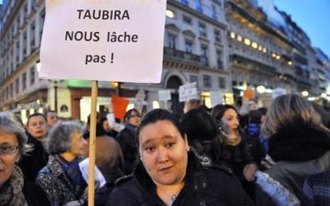 Nina, l'une des deux victimes des tournantes, participait au défilé parisien
