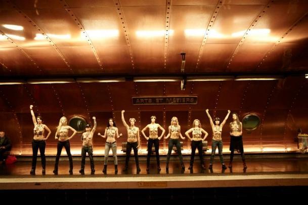 Femen voeux 2013