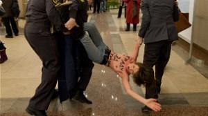 En Rusia protestaron durante las recientes elecciones, en las que el ganador seguro era Vladimir Putin.