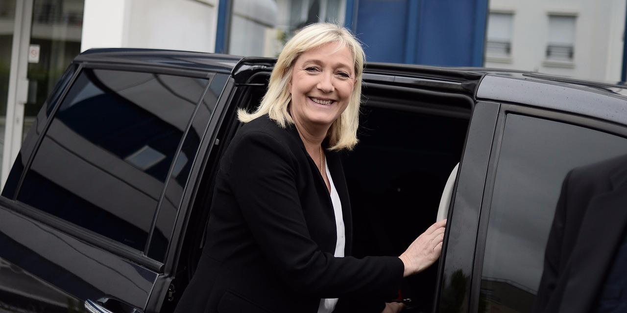 Jean-Marie Le Pen, notre petite Femen personnelle, pour Marine Le Pen