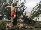 Happening za Pussy Riot v Kyjev. Pslunice feministick organizace Femen
