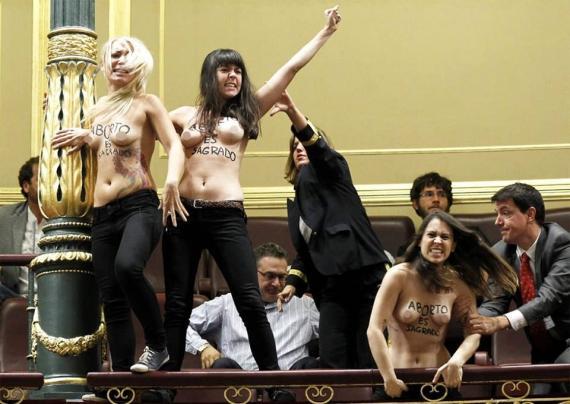 Il blitz Femen a Madrid