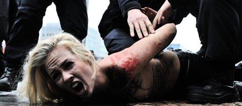 Festnahme einer Femen-Aktivistin in Brüssel