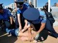 Mujeres protestan en Kyiv con desnudos