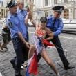 Femen, protesta a seno nudo a Kyiv02