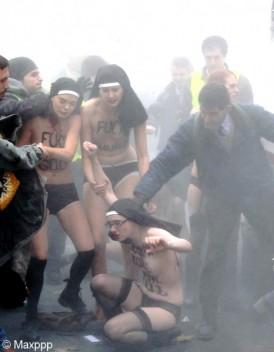 Agression des Femen cinq hommes mis en examen