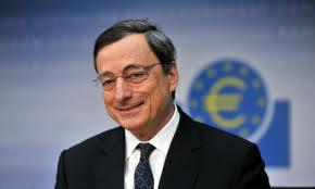 Mario Draghi, attivista interrompe la sua conferenza