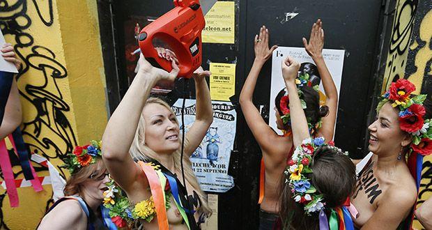 Ativistas do Femen em Paris