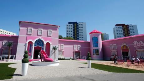 Pinke Versuchung: Das Barbie-Haus in der Voltairestraße