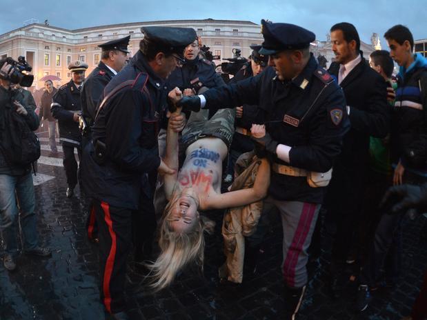 http://femen.info/wp-content/images/cache/0/25/811/9829c_000arp3468023.jpg
