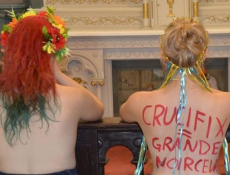 Les Femen à l'Assemblée nationale