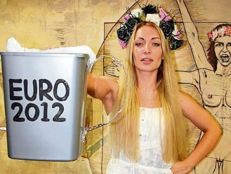 UNTERWEGS in der Ukraine: Sie plant Sex-Angriff auf Platini