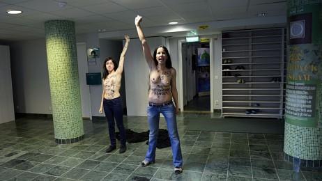 Toppløsprotest i Stockholm (Foto: Jonathan Nackstrand/Afp/NTB Scanpix)