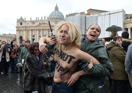 Inna Sjevsjenko er medlem i feministgruppa Femen. (Foto: VINCENZO PINTO/Afp)