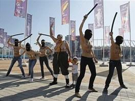 LUKAENKA TU NECHCEME! Aktivistky z hnut Femen v den finlovho utkn