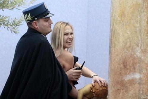 Femen251214