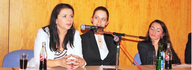 Zana Ramadani und Birgit Kelle diskutieren über Heimchen und Nackt-Protest