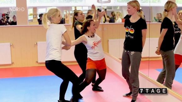 Video: Wie Femen fr Aktionen trainiert