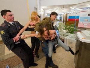 Le Femen anti-Putin bandite dalla Russia [VIDEO].