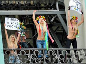 Integrantes do Femen já se despem por diferentes causas há quatro anos (Foto: AFP)