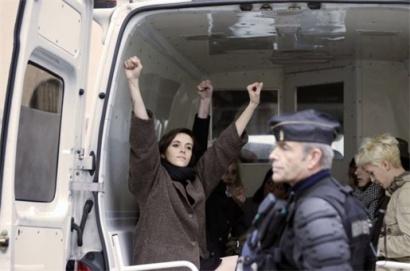 Topless vrouwenactivisten in elkaar geslagen (video)
