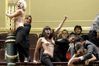 femen_congreso_aborto_09102013_efe.jpg