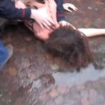 Elezioni 2013: Femen a seno nudo contro Silvio Berlusconi