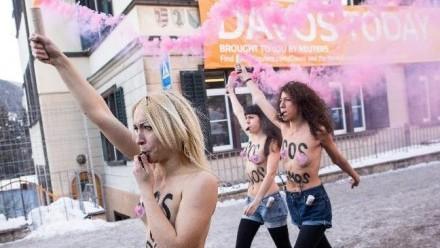 Femen v Davosu - 2