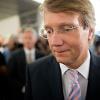 Der ehemalige Kanzleramtsminister Ronald Pofalla steht angeblich vor einem Wechsel in den Vorstand der Deutschen Bahn. Spott und Häme im Internet lassen nicht lange auf sich warten. (Quelle: dpa)