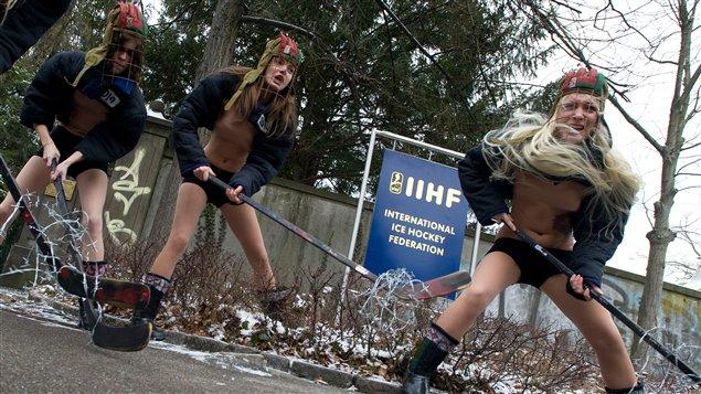 Les féministes ukrainiennes à l'assaut de l'IIHF