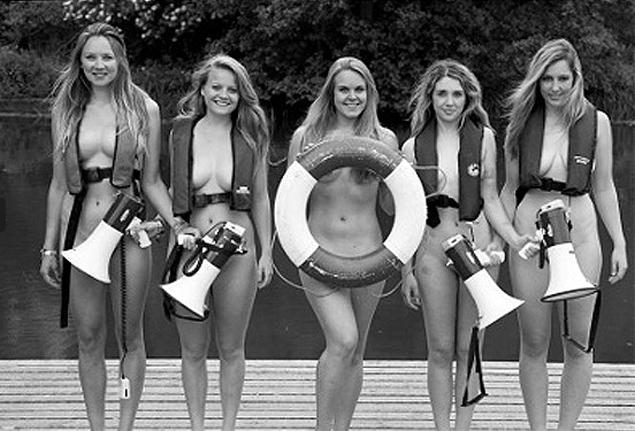Английские студентки-гребчихи  не только провели тренировку в стиле «ню», но и сделали доброе дело. Деньги, вырученные от продажи «голого» календаря, пойдут в фонд борьбы с раком.