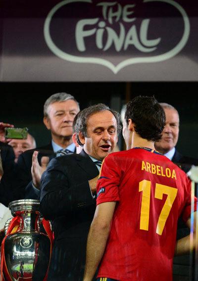 Platini-Euro-2012-1341220591_480x0.jpg