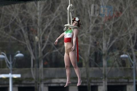 Parigi-Iran: femen