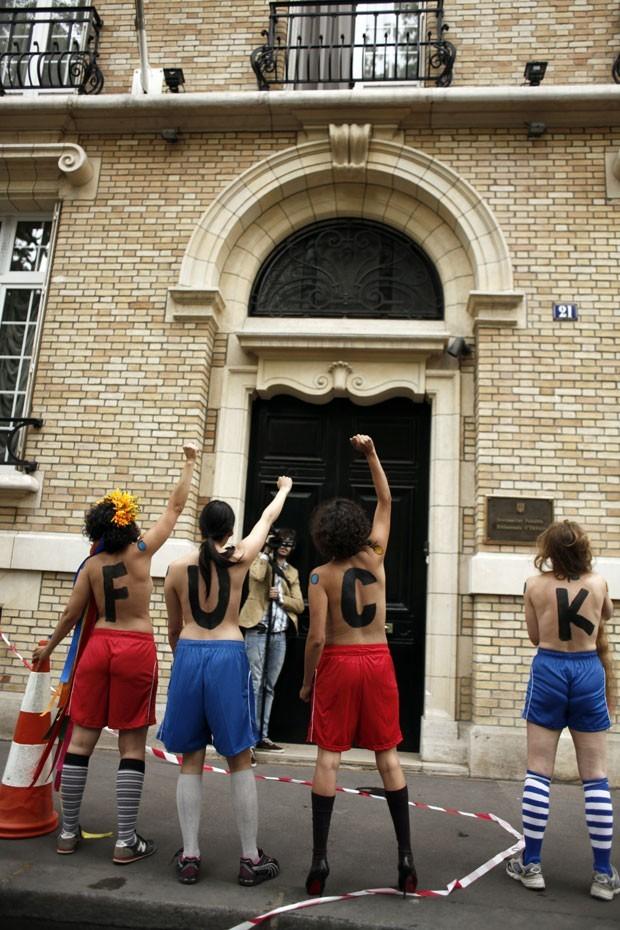 Femen diz que Euro 2012 aumentará a prostituição na Ucrânia (Foto: Guillaume Baptiste/AFP)