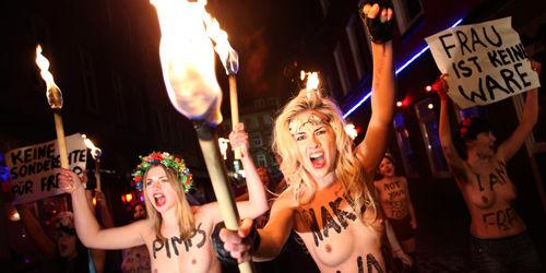 Davos : les Femen et les politiques se mobilisent contre le manque de femmes au