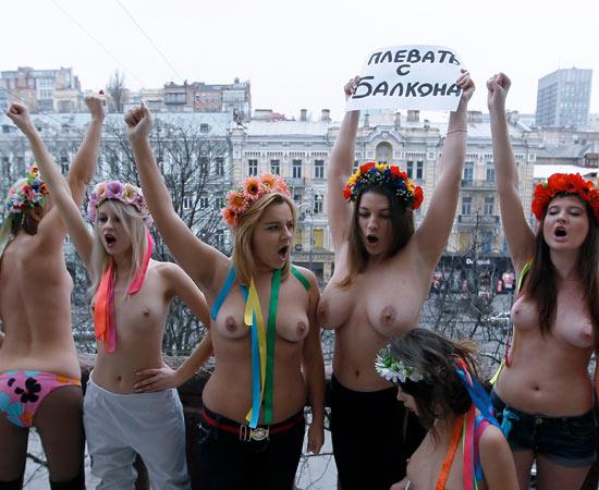 femen-protesta-ragazze-tette-nude.jpg