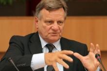 Hartmut Mehdorn während der Sonderausschusssitzung zum Hauptstadtflughafen BER