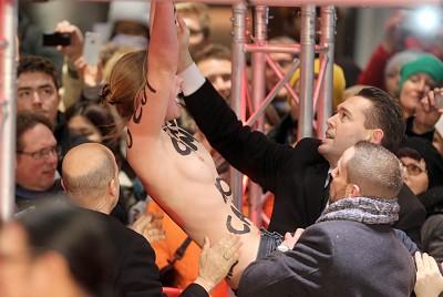 Nackt-Protest von Femen bei Berlinale