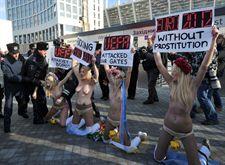 Protestas En Ucrania Contra La Explotación Sexual